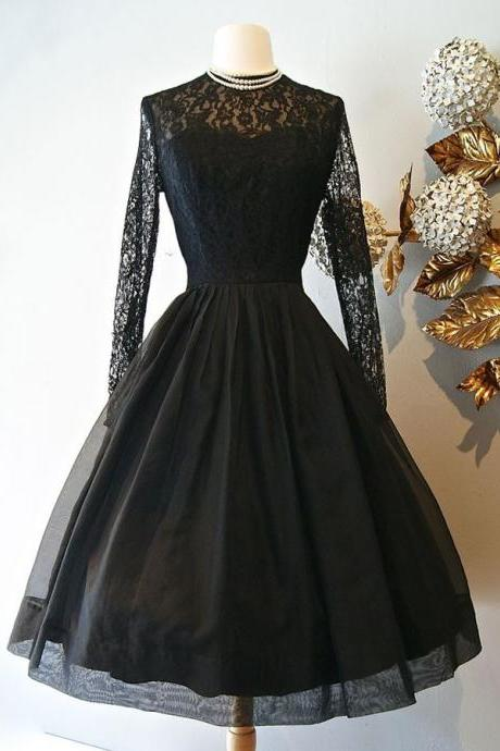 Vintage Style A-Line Knee-Length Long Sleeves Black Homecoming Dress with Lace