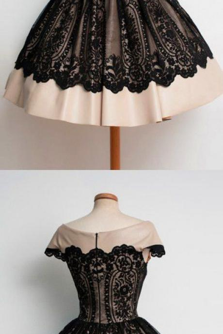 Charming A-Line Square Neck Black Tulle Short Homecoming Dress