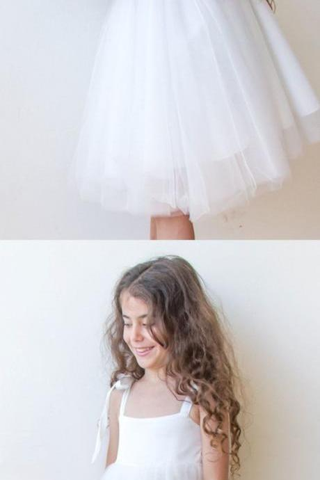 Simple White Tulle Knee-length Flower Girl Dress 906