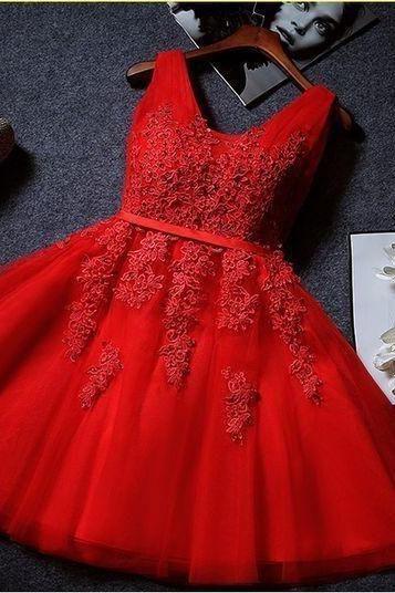 Elegant Tulle V Neck Lace Appliques Homecoming Dress