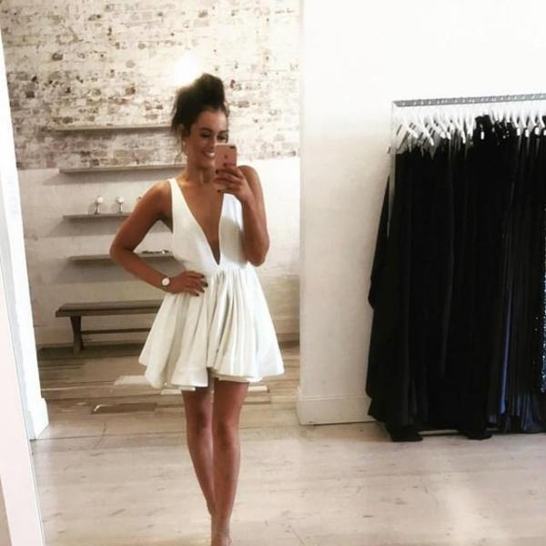 sexy plunge neck short prom homecoming dress,White Homecoming Gowns